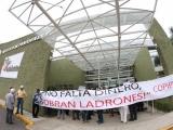 Adeudan retiro institucional a 4 mil docentes