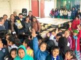 Encabeza Julio Saldaña entrega de mobiliario escolar en Ixhuatlán del Café