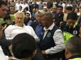 Socorristas atienden a Téllez Marie durante informe de Chiquiyunes