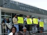 Protestan empleados del Issste
