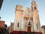 Iglesia denuncia abusos laborales en Gobierno