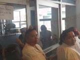 Enfermeras abandonan labores, se oponen a descuentos