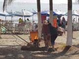 Acuden turistas a playas de zona conurbada en el último día del año