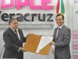 Cuitláhuac gobernador electo; le piden cumplir