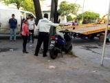 Fallece motociclista tras impactarse contra un árbol