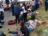 Vuelca camión de la ruta Costera-Colina de Santa Fe, hay 13 personas lesionadas