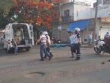 Motociclista es arrollado por un automóvil