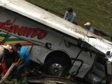 Se accidenta camión de pasaje cerca de Tlacotalpan