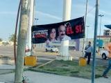 Aparecen lonas contra Ricardo Ahued en Mocambo