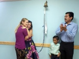 Tras de 120 sesiones de quimioterapia, niña de 13 años vence al cáncer