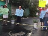 Fuga de agua negras en calle Bahamas de la colonia Astilleros, vecinos protestan