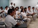 Pierde UVM certificación para internados en medicina y genera protesta