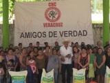 La CNC de Veracruz benefició a familias del Cuajilote con la entrega de gallinas ponedoras