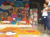 Familias gastan cerca de 300 pesos en la colocación de altar de muertos