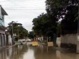 Vecinos de Dos Caminos se manifiestan, quieren calles transitables