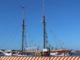 Zarpa del Puerto de Veracruz el velero Avontuur con café y mezcal