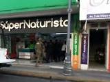 Solitario sujeto asalta tienda naturista