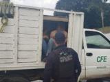 Rescatan fuerzas del orden a 37 migrantes