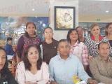 Reconocen con el premio Superación Ciudadana a padres de familia por eficiente aplicación de recursos
