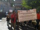 Estudiantes y Padres de Familia de secundaria técnica de Sihuapan protestan en plena carretera federal 180