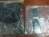 2 detenidos por delitos contra la salud; uno es policía municipal de Espinal