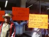"""En Altotonga, Agentes Municipales celebran el """"Día de Trabajo"""" con protesta al alcalde"""