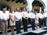 Presenta a su gabinete Fernando Yunes en el Museo de la Ciudad