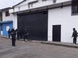 Asegura SSP y fuerzas federales bodega con vehículos robados, en Córdoba