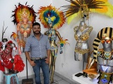 Luces, brillo y color engalanan trajes de Carnaval