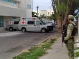 Fallece hombre de la tercera edad afuera del Hospital Naval