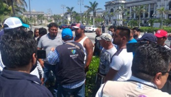 Protestan lancheros de Villa del Mar  por falta de apoyos durante cuarentena