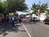 Se manifiestan en el DIF municipal, piden colonos apoyos con despensas