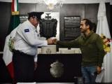 Toma protesta alcalde Fernando Yunes Márquez a nuevo comandante de la Policía Municipal