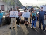 Bloquean vecinos de Sotavento la carretera Veracruz-Xalapa,  se quejan por falta de agua en sus casas